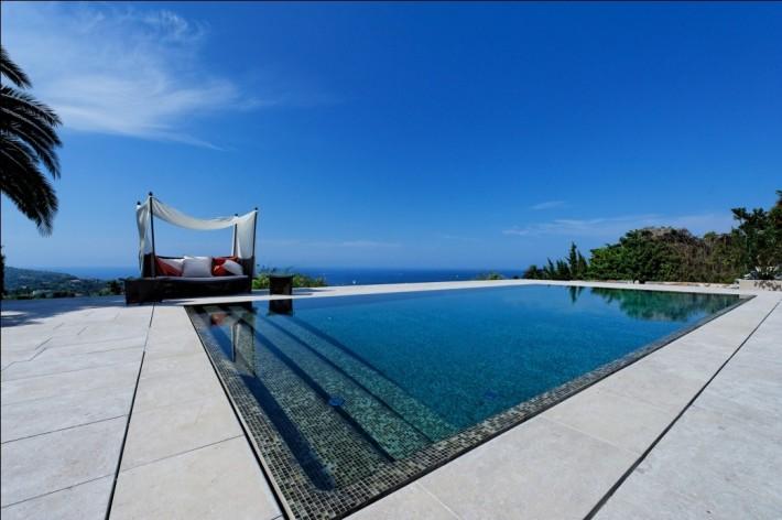 Travaux installation de piscine quel mod le choisir for Travaux piscine