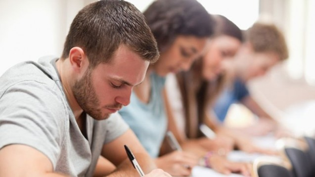 Le Sénat veut en finir avec les mutuelles étudiantes