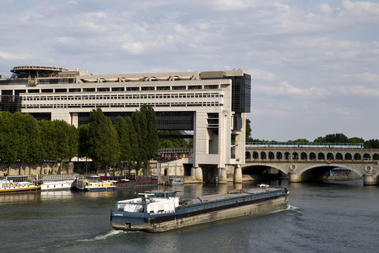 Immobilier : Le gouvernement veut durcir la fiscalité des locations meublées