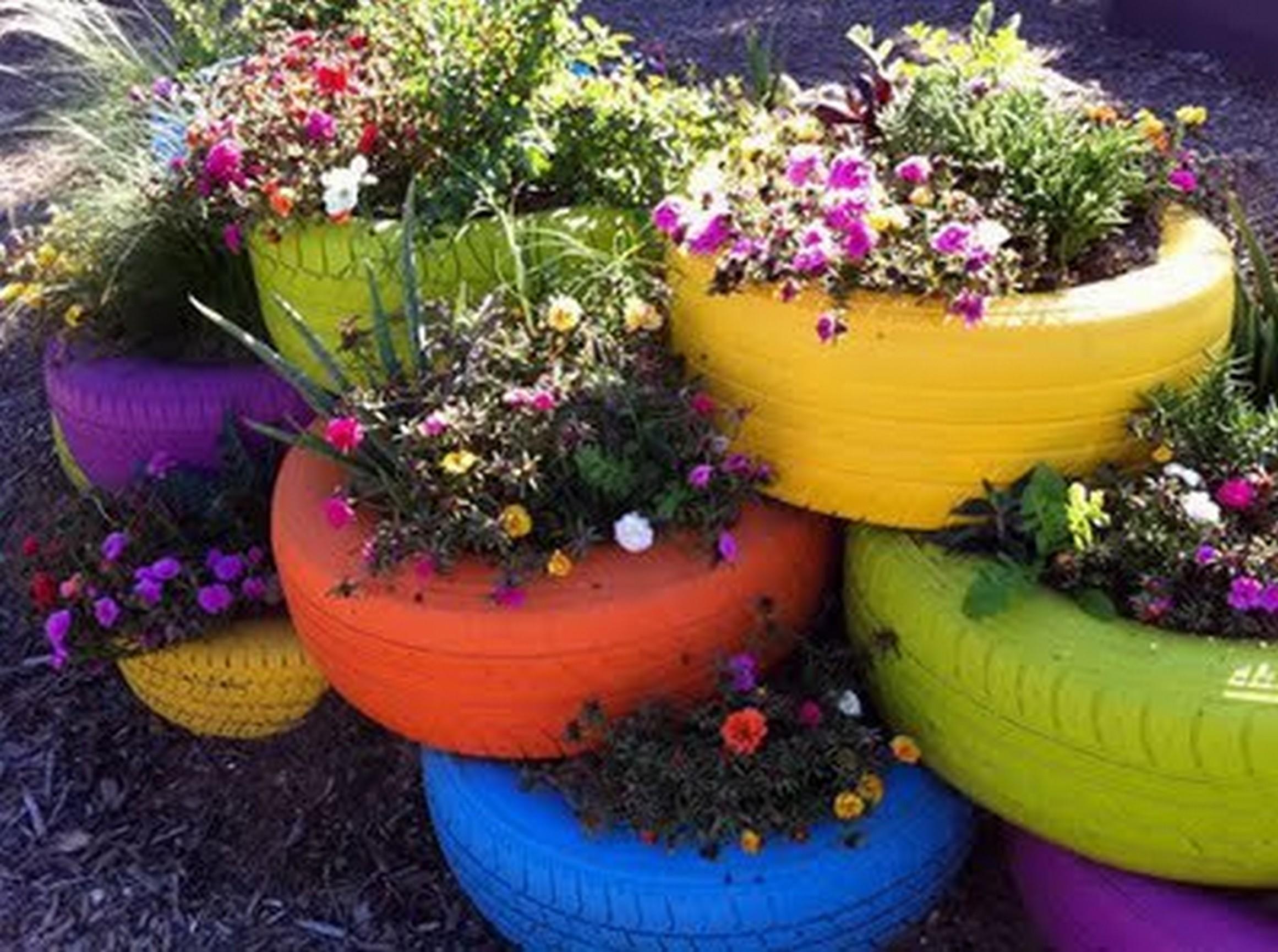 Pot De Fleur Avec Des Pneus bricolage pour le jardin, des id�es � la port�e de tous