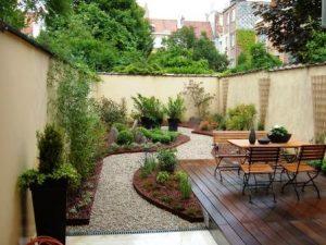 espace détente extérieur jardin bois pas cher facile