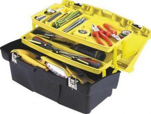outils de bricolage marteau scie perceuse